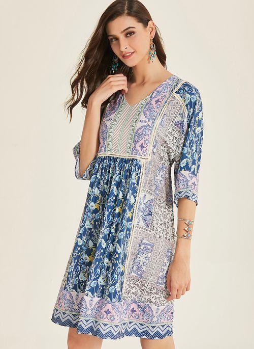 Casual Color Block V-Neckline Knee-Length Shift Dress